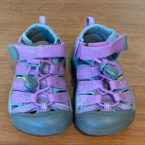 Keen toddler Newport water shoes purple size 8